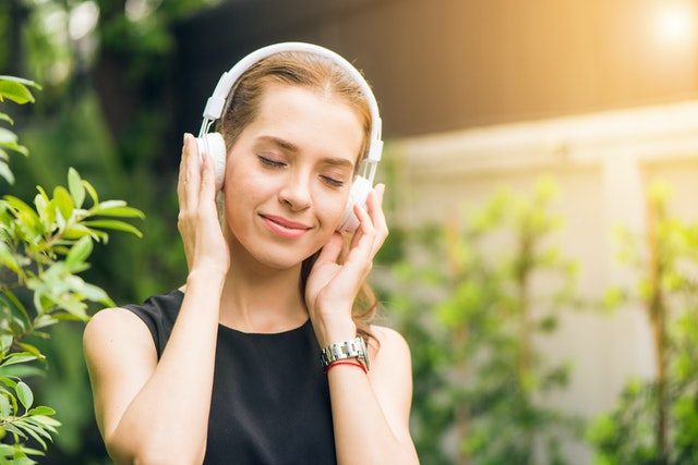 Listening music to reduce stress in psoriasis
